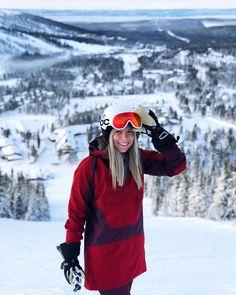 "2,095 To se mi líbí, 21 komentářů – EAT - SLEEP - #ski - REPEAT⛷❄️ (@sarahmagdalena) na Instagramu: ""I have the perfect relationship with snow, it always catches me when I fall ❄️ . . . . .…"""
