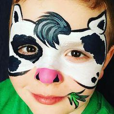 Moo! #facepaint #facepainter #manitoba #niverville #winnipeg #steinbach #ennsbrothers #moo #cow #farm #facepaintingbyeileend