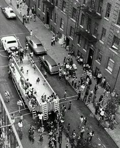 New York City Parks Department Swimmobile - 1960 x Old Pictures, Old Photos, Vintage Photos, Vintage New York, Vintage Black, Rare Historical Photos, Rare Photos, Iconic Photos, New York Street