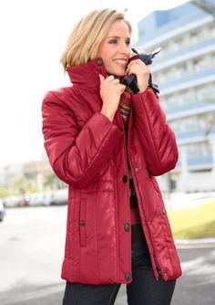 Wega Fashion Jacke mit figurfreundlichem Steppmuster an den Seiten ab 89,99€. Glänzende Steppjacke, Polyester, Figurumschmeichelnde Form bei OTTO