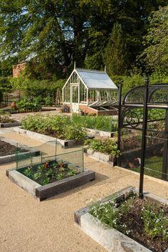 Vote for the Best Edible Garden Finalist in the 2015 Gardenista Considered Design Awards DIY Garden