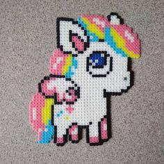 Perler.Pro: Схема взята у мастера Woollylab. Очень легко собралась и спаялась #PerlerArt #perlerbeads #pony #rainbow #термомозаика #нашивка