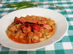 Varza dulce cu afumatura Thai Red Curry, Cabbage, Vegetables, Cooking, Ethnic Recipes, One Pot Dinners, Pork, Kitchen, Cabbages