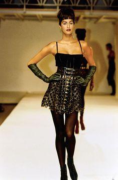 1991-92 - Azzedine Alaia show - Yasmeen Ghauri