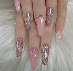 There are three kinds of fake nails which all come from the family of plastics. Acrylic nails are a liquid and powder mix. They are mixed in front of you and then they are brushed onto your nails and shaped. These nails are air dried. When creating dip. Best Acrylic Nails, Acrylic Nail Designs, Nail Art Designs, Nails Design, Nails Acrylic Coffin Glitter, Rose Gold Glitter Nails, Black Ombre Nails, Pink Sparkles, Rose Gold Nails