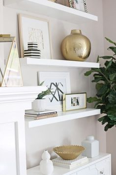 Living Room Reveal {How to Fake Built-In Shelving} - Modern-meets-traditional living room tour with lots of white and brass accents. Plus how to fake bu - Simple Living Room, Living Room White, White Bedroom, Small Living, White Shelves, Floating Shelves Diy, Wall Shelves, Bathroom Shelves, Dining Room Floating Shelves