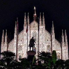 Buona notte #Milano #milanodavedere http://ift.tt/1I13bh2 foto di : @kp_25 Milano da Vedere #VisitingItaly