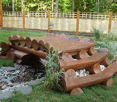 мост через сухой ручей как импровизированная скамейка для дачи