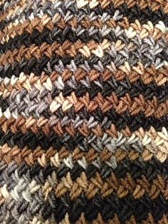 Varius - Free pattern on Raverly - This is a different look.
