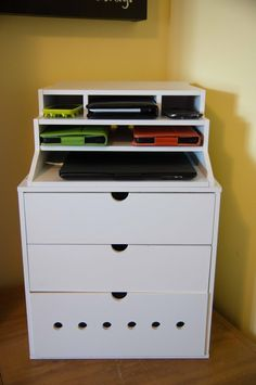 cord organization the little green bean: DIY Charging Station Charging Station Organizer, Organization Station, Docking Station, Office Organization, Charging Stations, Electronic Charging Station, Electronics Projects, Wood Plastic, Diy Drawers