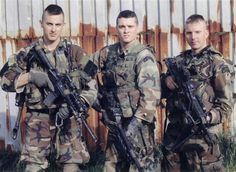 Militaryphotos - - Rangers of Takur Ghar fame. From left to right DePouli, Gilliam, Totten-Lancaster - Nov 2005 Navy Military, Military Life, Marsoc Marines, Airborne Ranger, Us Army Rangers, 75th Ranger Regiment, Classic Army, Military Special Forces, Vietnam Vets