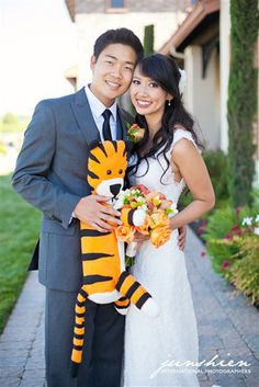 Adorable Calvin and Hobbes themed engagement and #wedding. CUTE!!!