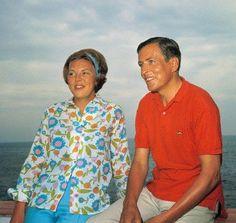 Het verloofde paar Beatrix en Claus op vakantie in de familie-bungalow de Gelukkige Olifant in het Italiaanse Porto Ercole 01 juli 1965.
