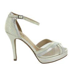 Zapato de novia con pedrería de Menbur (ref. 6331) Bridal shoes by Menbur (ref. 6331)