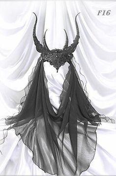 lace headdress with horns & veil <3