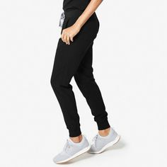 These sleek, stylish jogger scrub pants are super comfy but have a streamlined, urban-inspired feel and functionality to keep up with your hustle. Raincoats For Women, Jackets For Women, Black Fig, Scrubs Outfit, Black Scrubs, Womens Scrubs, Medical Scrubs, Scrub Pants, Running Shirts