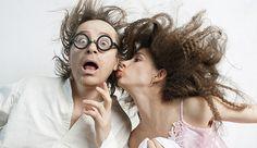 """El SEMEN: el gran encantador. Un estudio realizado en la Universidad de East Anglia reveló que una proteína específica del semen genera diferentes reacciones en los genes de las mujeres. El titular de la investigación, Tracey Chapman, aseguró que: """"esta proteína es el péptido del sexo. Ahora se le puede conocer como el 'maestro regulador de genes'"""". Provocaría alteraciones en los óvulos, en su forma de dormir, en su humor y hasta el modo en el que brindan apapacho."""