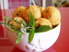 Pane raffermo, uova fresche, formaggio… poche cose, pochi ingredienti sufficienti p...