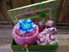 Parcel Alat Mandi Untuk Seserahan - YouTube Wedding Towel Cakes, Ava, Wedding Gifts, Diy And Crafts, Dream Wedding, Lunch Box, Marriage, Children, Youtube