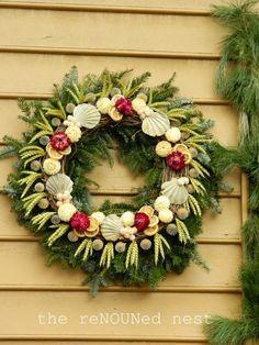 Colonial Wreath | Colonial Williamsburg: shells in the wreath | Christmas Ideas
