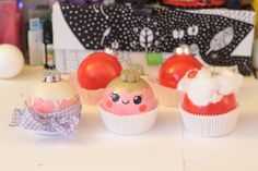 BOULES DE NOEL CUPCAKE Cupcakes, Posca, Noel Christmas, Facon, Wonderland, Desserts, Blog, Diy, Tailgate Desserts