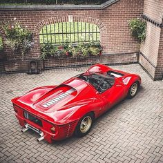 """• The Italian beast. Ferrari 330 P4 """"Campionato del mondo prototipi"""" 1967' •…"""