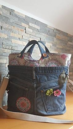 alte Jeans mit schönen Stoffen – – added to our site quickly. hello sunset today we share alte Jeans mit schönen Stoffen – – photos of you among the popular hair designs. Denim Handbags, Denim Tote Bags, Denim Purse, Denim Crafts, Upcycled Crafts, Diy Sac, Recycled Denim, Recycled Fashion, Fabric Bags