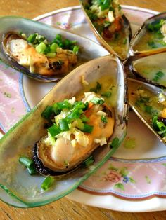 #baked mussels with butter and garlic