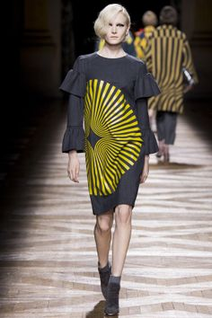 FASHION NEWS --- FASHION NEWS --- FASHION NEWS « DRIES VAN NOTEN » DÉFILÉ- AUTOMNE-HIVER 2014/2015 – PRET-A-PORTER – FEMME – PARIS FASHION WEEK  RETROUVEZ TOUTE LA COLLECTION EN IMAGE SUR: http://fashionblogofmedoki.com/