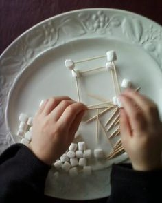 Toothpicks + Mini Marshmallows = Fun Indoor Kids Activity (Your child is also learning math and science concepts!) Totally doing this w/kids today=) Indoor Activities For Kids, Craft Activities For Kids, Summer Activities, Toddler Activities, Projects For Kids, Crafts For Kids, Easy Crafts, Family Games Indoor, Toddler Crafts