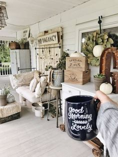 adore the look of shabby chic home decorations as seen in this photo. I love vintage, rustic and modern yet trendy shabby chic decorative accents as they make a home beautiful. Shabby Chic B & B Porch Decor Shabby Chic Porch, Chic Living Room, Front Porch Decorating, Porch Design, Chic Decor, Country House Decor, Chic Home Decor, Shabby Chic Farmhouse, Rustic House