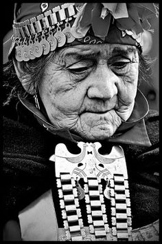 La Mujer en la Historia: La Machi Tribal Face Paints, Chili, Historical Art, Ancient Jewelry, Photomontage, Art Sketchbook, South America, Native American, Folk
