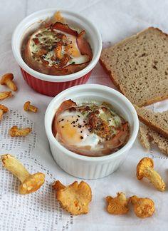 Jajka w kokilkach z kurkami