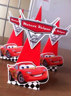 Cone Triangular fechado para doces. Impresso em papel couche alta gramatura. com aplique. Fazemos em qualquer tema - 70206E Disney Cars Party, Disney Cars Birthday, Cars Birthday Parties, 3rd Birthday, Car Themes, Dinosaur Party, Minnie, Prints, Sweet Cars