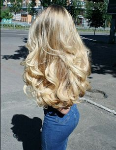 need my hair to look like this. love these blonde beach curls