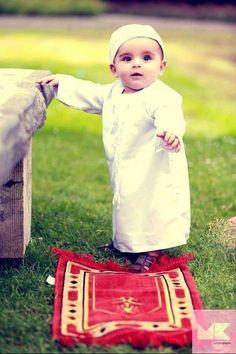 Baby muslim...soooooo cute!