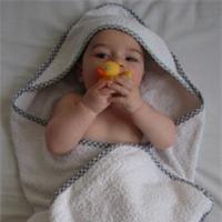 baby towel tutorial - tuto pour sortie de bain bébé http://www.bluemarguerite.com/Loisirs-creatifs/tuto-200-sortie-de-bain-bebe.deco