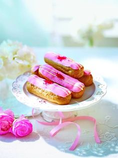 1000+ images about Baking | Eclairs and choux on Pinterest | Eclair ...