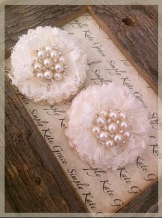 Items similar to Wedding Hair Accessories- Vintage Ivory Dupioni Silk and Lace F . Items similar to Wedding Hair Accessories- Vintage Ivory Dupioni Silk and Lace Flower Bobby Pin- Fl Shabby Chic Flowers, Lace Flowers, Fabric Flowers, Wedding Flowers, Ribbon Crafts, Flower Crafts, Material Flowers, Ideias Diy, Flower Headpiece