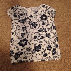 Summer top Cream and navy blue floral , small v with ties and elastic bottom Sonoma Tops Tees - Short Sleeve