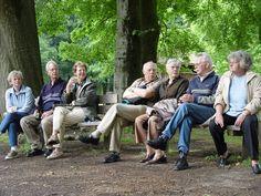 Senioren. Senioren behoren tot één van de doelgroepen in onze wijk. Eén van de woontorens is bestemd voor hen.