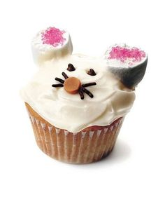Mouse Cupcake: Mickey's got nothing on this cute little guy, with his oversized marshmallow ears and chocolate whiskers.