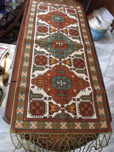 Gallery.ru / Фото #14 - δδδ - ergoxeiro Cross Stitch Designs, Cross Stitch Patterns, Cross Stitching, Cross Stitch Embroidery, Latch Hook Rugs, Palestinian Embroidery, Hand Embroidery Flowers, Geometric Designs, Rug Hooking