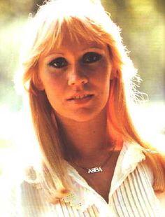 AGNETHA FALTSKOG : my favorite member of the fabulous group ABBA... ma personnalité préférée dans le groupe fabuleux qu'était ABBA.
