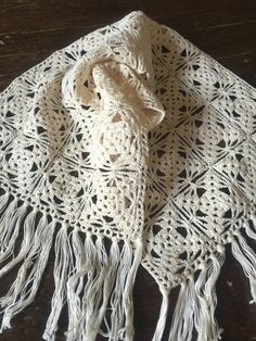 Vintage Crochet Doily - Crochet Table Runner - Crochet Table Topper - Fringe Runner - Crocheted Table Scarf - Farmhouse Decor - Rustic Decor ON SALE in ETSY