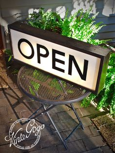 NEW! Small Vintage Interchanging Hand Painted and Lettered Retro Open and Closed Light Box Sign