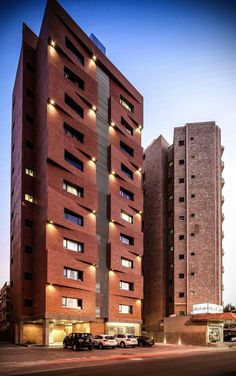 Edges Apartments / Studio Toggle