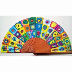 Abanico basado en una obra de V. Kandinsky. Hand Held Fan, Hand Fans, Umbrella Art, Kandinsky, Painting Inspiration, Arts And Crafts, Dots, Fan Art, Creative