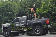Monster truck Girls & guns - Rgrips.com