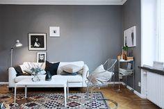 Love affair: St Pauls Blue and cognac (in a Swedish space). Sarah Widman / Alvhem.